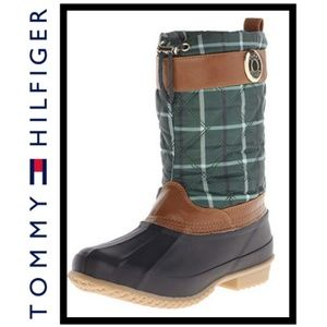 Tommy Hilfiger Acadia Green Plaid Snow Boots